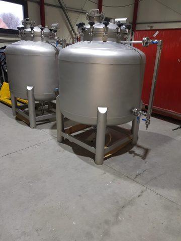zbiorniki-cisnieniowe-wykonane-w-gatunku-316L-o-pojemności-1m3